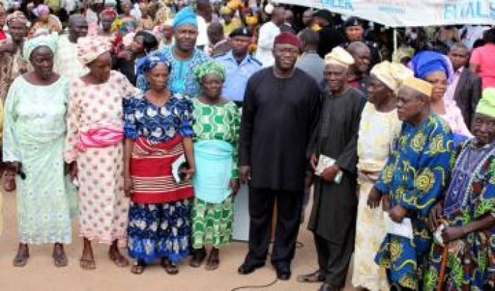 Governor Fayemi with beneficiaries in Ekiti State